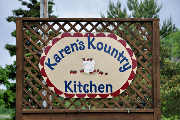 The two RV Gypsies ate at Karen\'s Kountry Kitchen in Canada