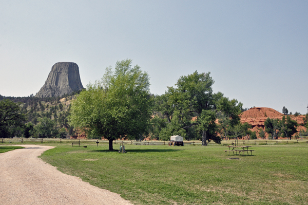 [Image: 2013-08-16_015_Devils_Tower.jpg]