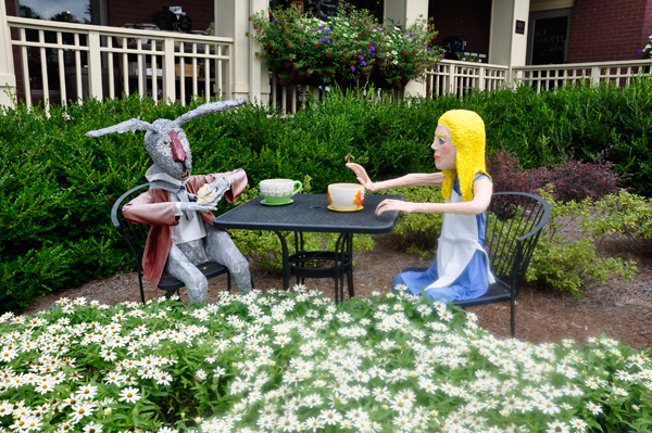 alice in wonderland and the tea party