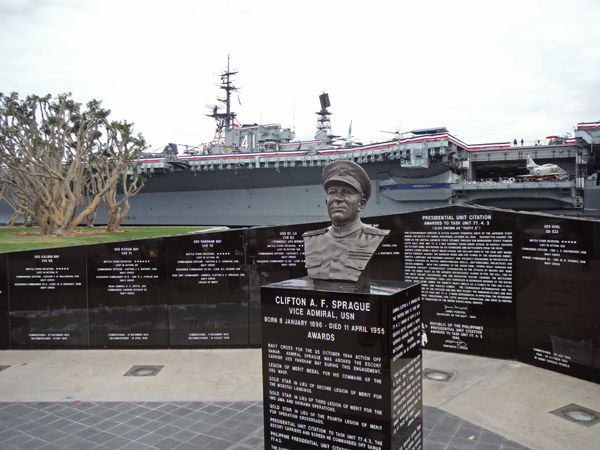 Tuna Harbor, ships and military memorials