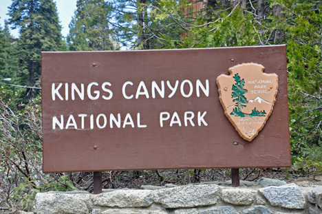 Two Rv Gypsies At Kings Canyon National Park In California